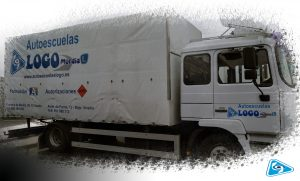 camion C1 de autoescuela logo